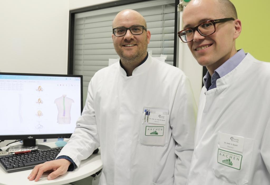 Priv.-Doz. Dr. med. Marcel Betsch (l.) mit seinem Oberarzt-Kollegen Dr. med. Valentin Quack