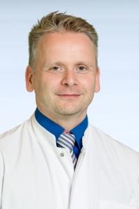 Priv.-Doz. Dr. med. Björn Rath, Leitender Oberarzt und stellv. Klinikdirektor, Klinik für Orthopädie