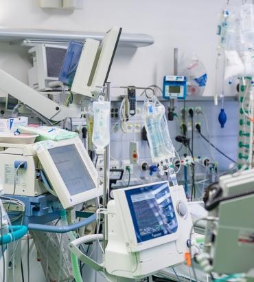 """Paper in """"Nature Partner Journal Digital Medicine"""" veröffentlicht:  Wissenschaftler entwickeln Algorithmus für optimierte Beatmungseinstellung bei Intensivpatienten"""