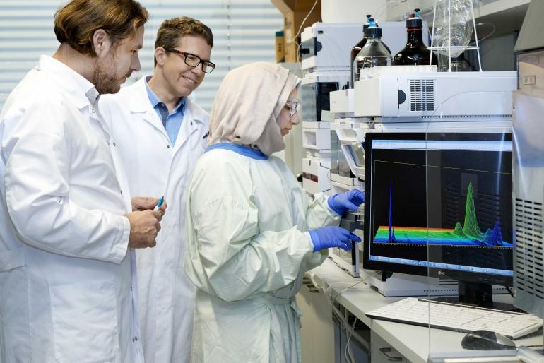 Nanotheranostics-381